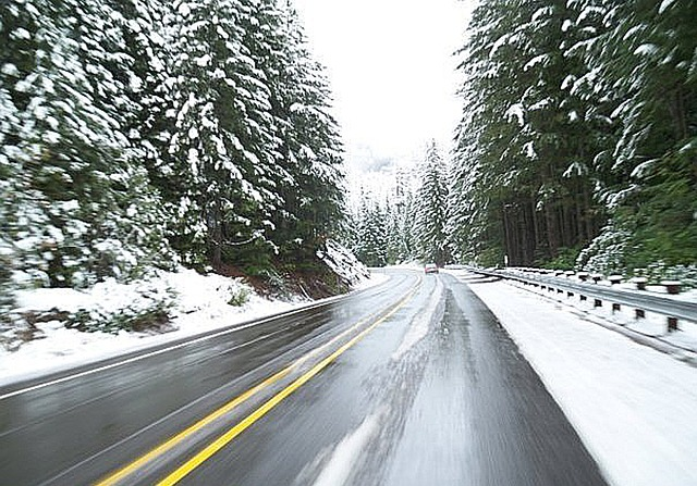 12 Winter Driving Tips – How to Avoid a Highway Pileup